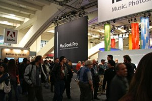 Macworld-Expo-Floor2006